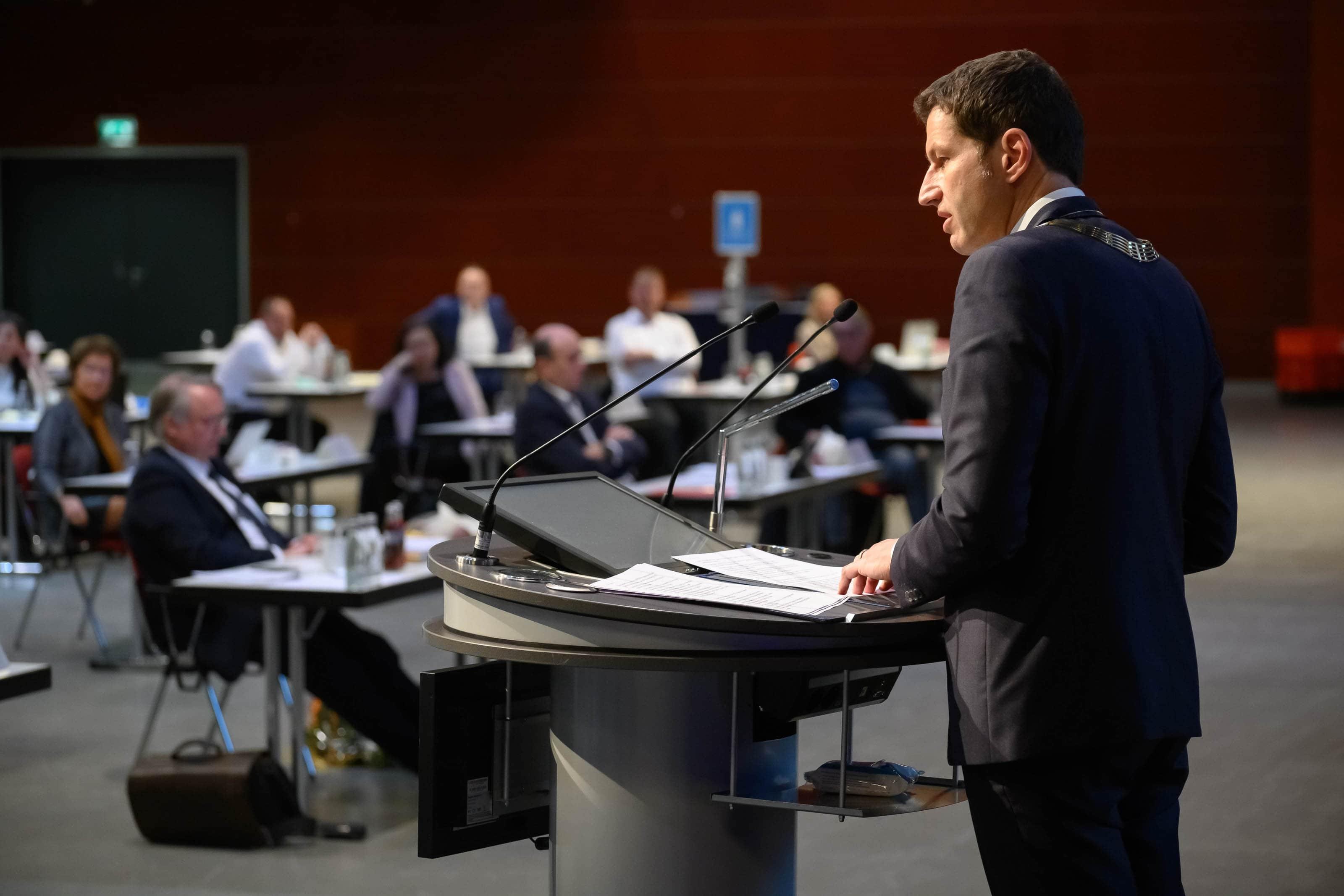Konstituierende Ratssitzung mit Amtseinführung des wiedergewählten Oberbürgermeisters Thomas Eiskirch