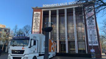 """Schauspielhaus Bochum und ZDF-Übertragungswagen (für """"Hamlet"""")"""