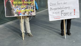"""Demonstration vor der Ratssitzung am 17.12.2020 #ratBO - hier: """"Gerthe West - Mit den Bürgern auf Augenhöhe"""" und """"Diese Form der Bürgerbeteiligung ist eine Farce - in der Smart City Bochum!"""""""