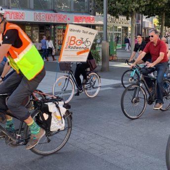 Fahrrademo der Radwende Bochum auf dem Boulevard