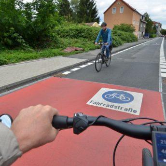 Fahrradstraße in Bochum (hier: Weitmarer Straße)