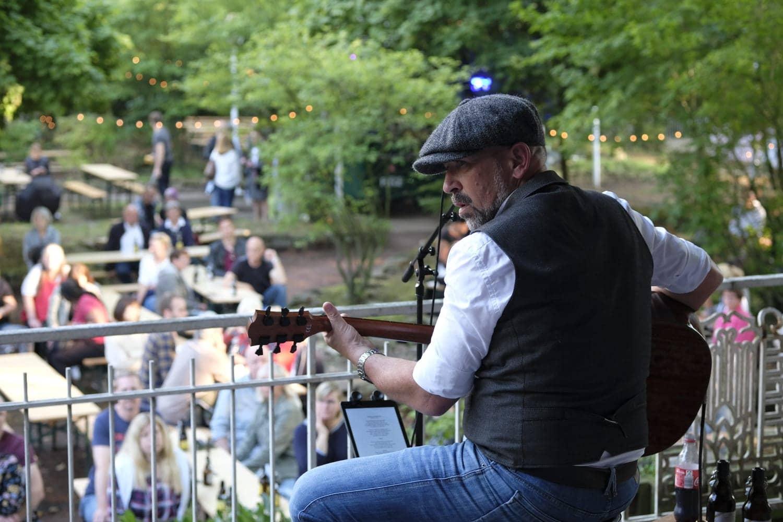 Dean Newman in der Konzertmuschel (Bierkulturgarten)