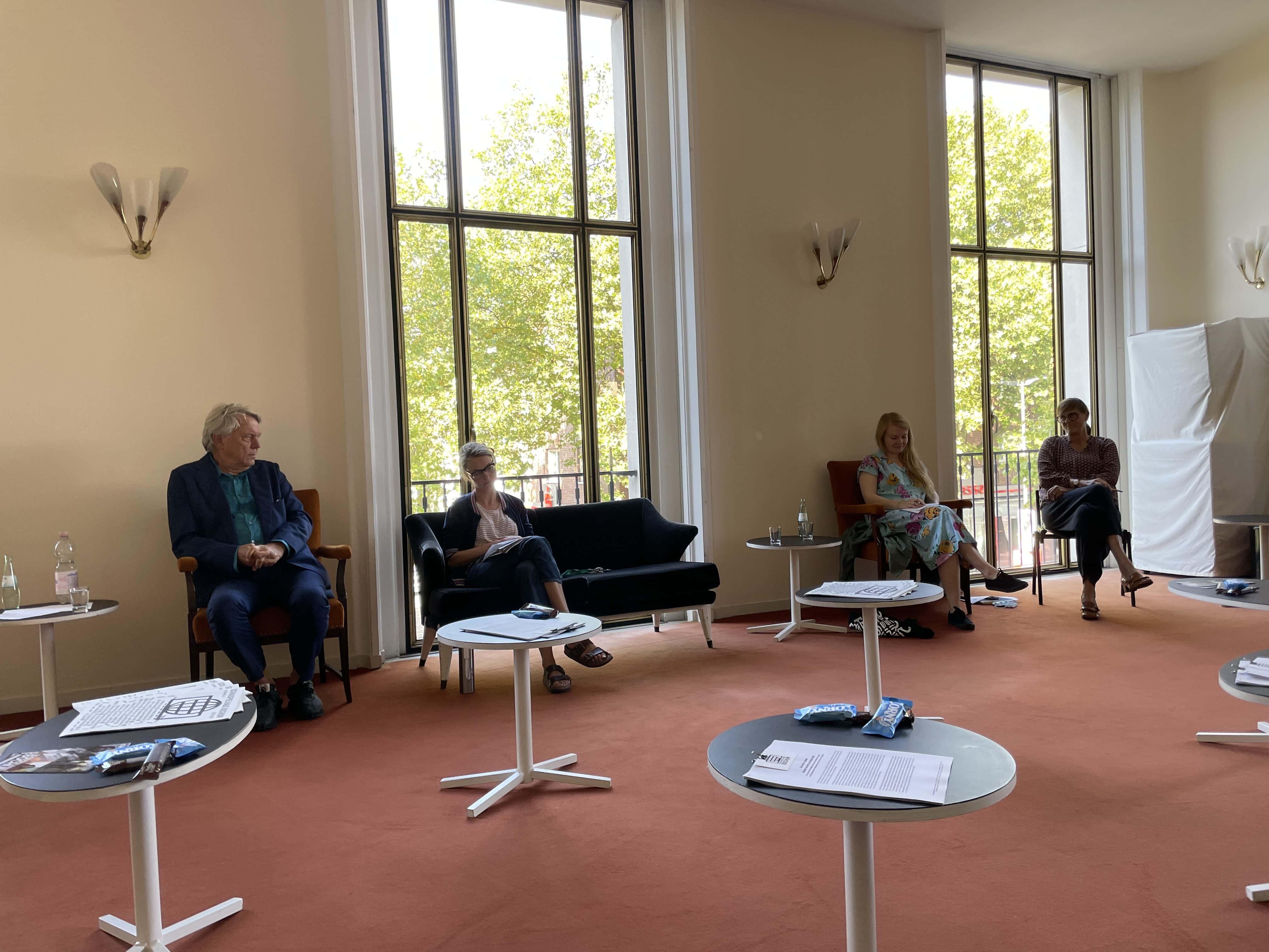 Schauspielhaus Bochum (Saison 2021-Auftaktgespräch): Johan Simons, Angela Obst, Saara Turunen, Dorothea Neweling