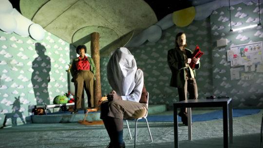 Schauspielhaus Bochum: Der Kissenmann mit Romy Vreden, Karin Moog und Anna Drexler